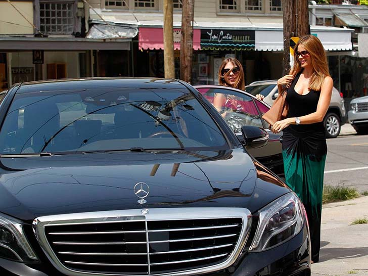 17-female-celebrities-who-drive-the-most-luxurious-cars-in-the-world_17