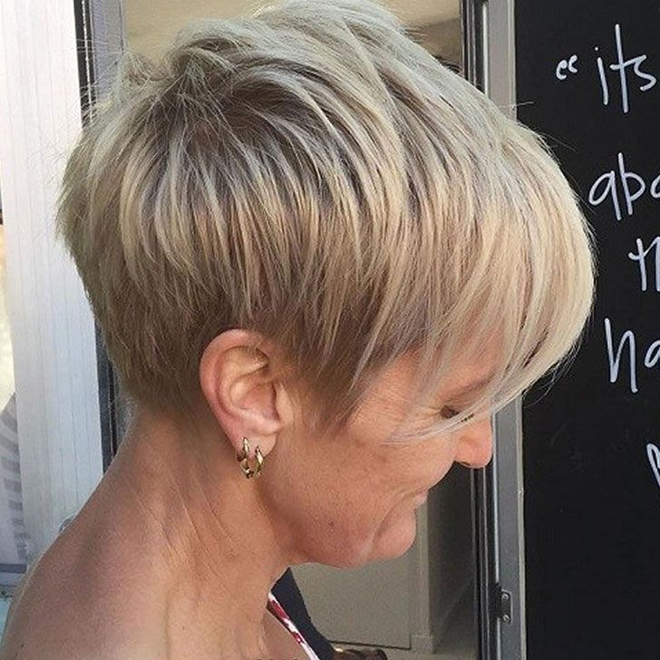 30-chic-and-classy-short-hairstyles-for-women-over-50_12