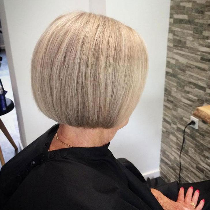 30-chic-and-classy-short-hairstyles-for-women-over-50_20