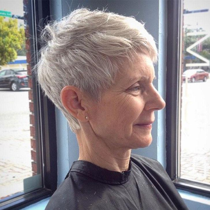 30-chic-and-classy-short-hairstyles-for-women-over-50_22
