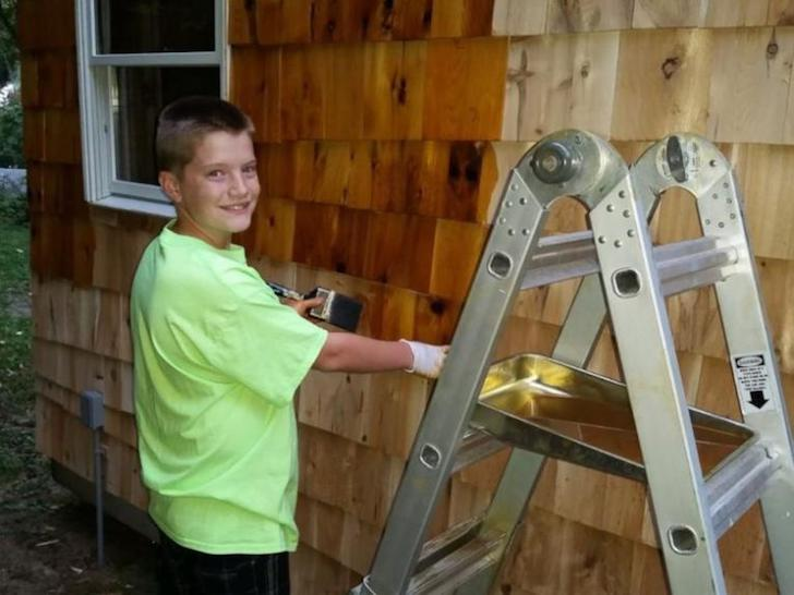 at-the-age-of-13-he-built-a-house-that-surprised-everyone-with-only-1500_3