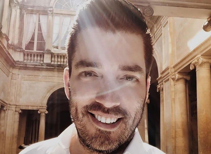 inside-the-life-of-property-brothers-star-jonathan-scott_10