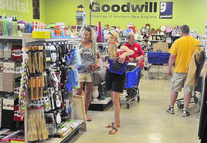 woman-found-something-unexpected-from-a-goodwills-3-bag_2